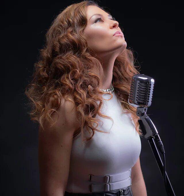 Arina Mai - Topdisco Radio
